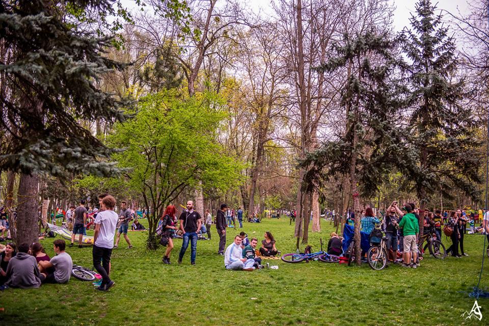 Ez pedig a végeredmény: számos fiatal, könnyű, tavaszi hangulat, igazi élmény.